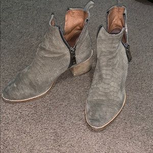 Jeffrey Campbell Boone boots